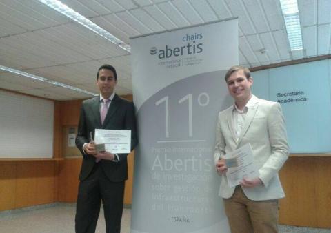 Estudiants premiats: Manuel Bullejos a l'esquerra i Borja Moya a la dreta
